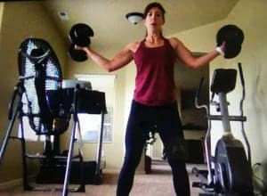 stephanie lifting weights during workout