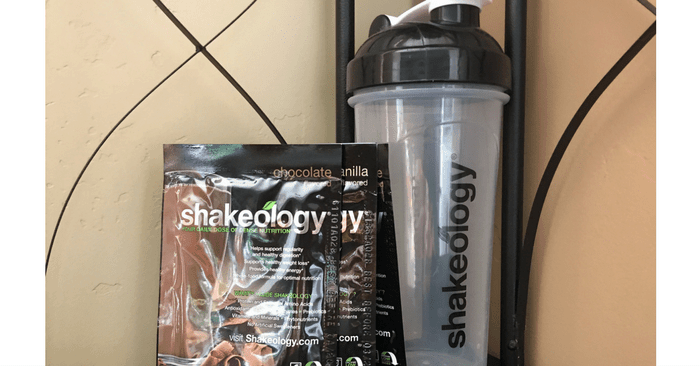 shakeology packets and shaker cup